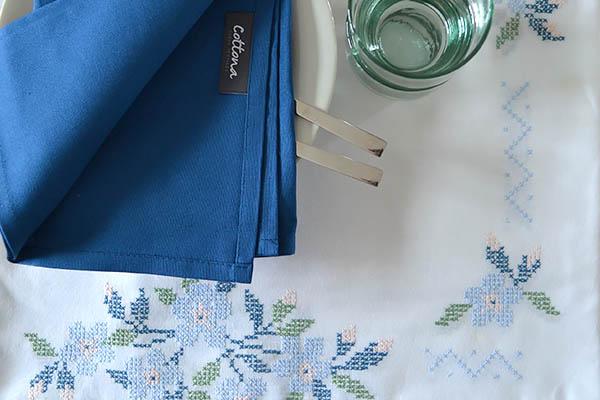 geborduurd tafelkleed Cottona servet blauw